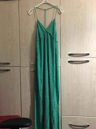 Sırt detaylı ince elbise