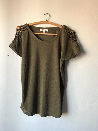 Haki tshirt