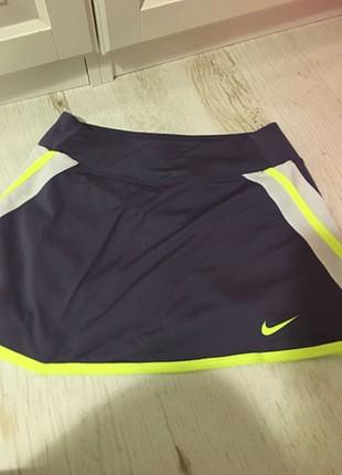 Tenis eteği