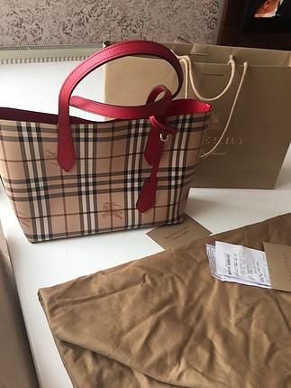Burberry çift taraflı çanta