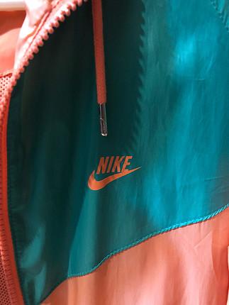 Orjinal Nike yağmurluk
