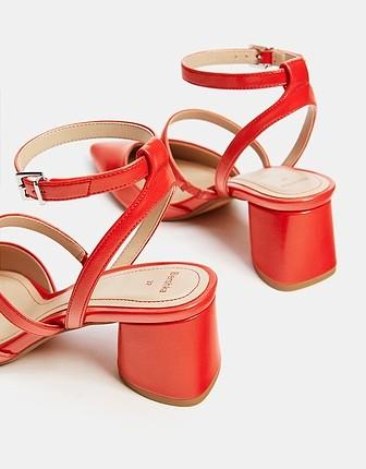36 Beden Bershka topuklu ayakkabı