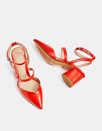 36 Beden nar çiçeği Renk Bershka topuklu ayakkabı