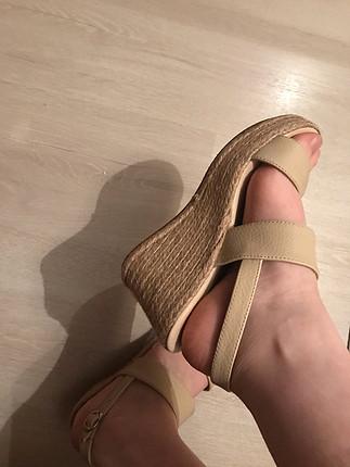 36 Beden Bej topuklu sandalet