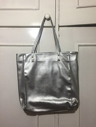 866ae97604f0d Gardrops · Kadın · çanta · kol çantası · Diğer. Büyük ve kullanışlı parlak  çanta