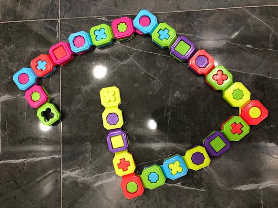 Diğer 2 yaş ve üstü çocuklar için zeka geliştirici ve eğlenceli oyunca