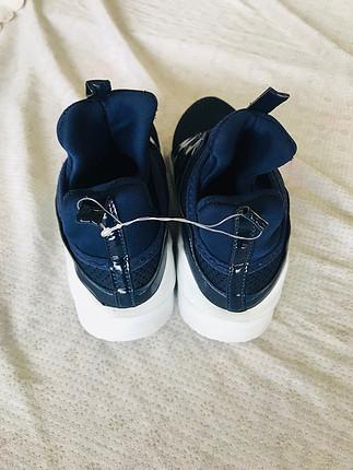 bileklik bayan spor ayakkabı