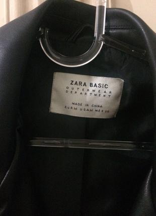 m Beden siyah Renk Zara marka deri ceket