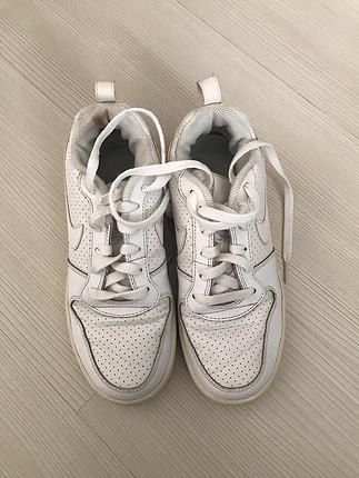 Nike beyaz spor ayakkabı