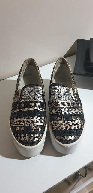 dolgu ayakkabı