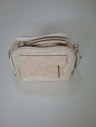 Guess Marka Çapraz kol çantası
