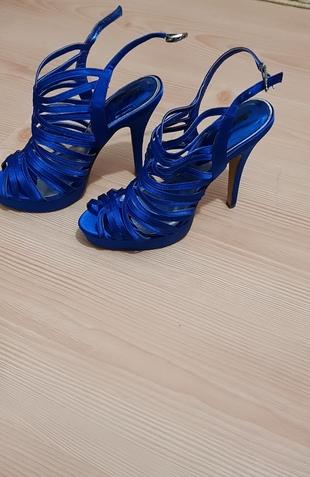 saks mavi topuklu ayakkabı