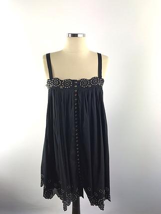 Metal işlemeli elbise