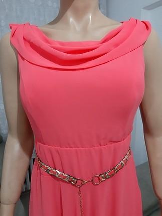 Neon somon rengi şifon abiye gece elbisesi