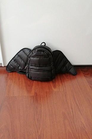 kanatlı çocuk sırt çantası