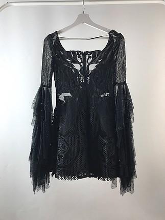 Kol Detaylı Tasarım Elbise