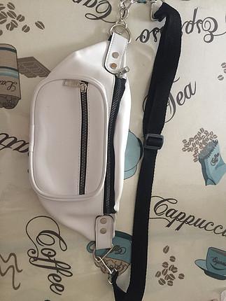 Beyaz bel çantası
