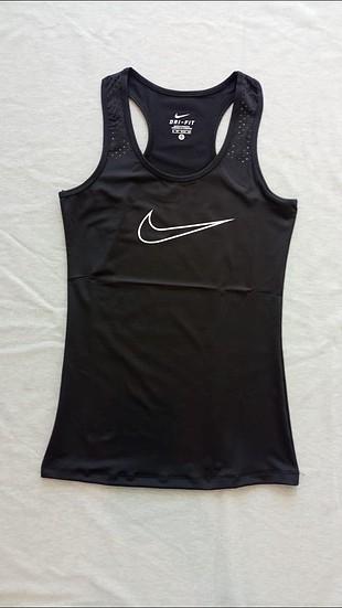 Nike askılı