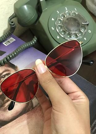Cat eye kırmızı gözlük