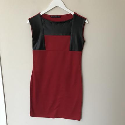 Zara M Beden Deri Görünümlü Zimba Detayli Kirmizi Elbise Ofis stili
