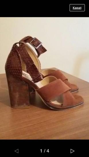 Çok Şık Topuklu Ayakkabı Mecrea