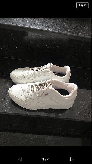 37 no orjinal Reebok marka spor ayakkabi