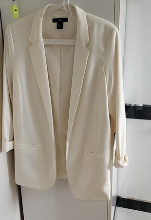 Beyaz renk blazer