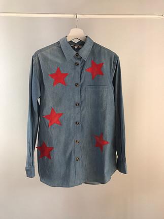 Yıldız baskılı Glamm Co. gömlek