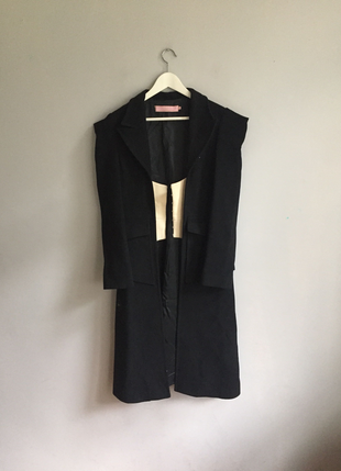 GG Siyah Kolsajlı Palto