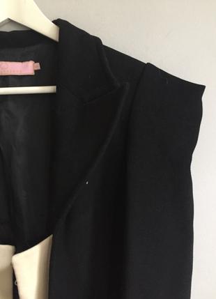 Gülnur Güneş GG Siyah Kolsajlı Palto