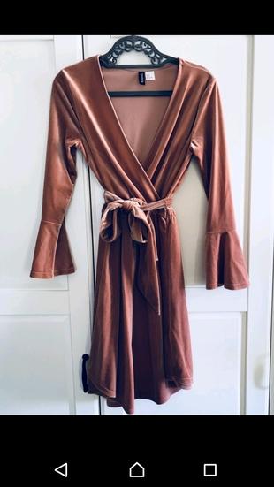 Gül Kurusu Renginde Elbise