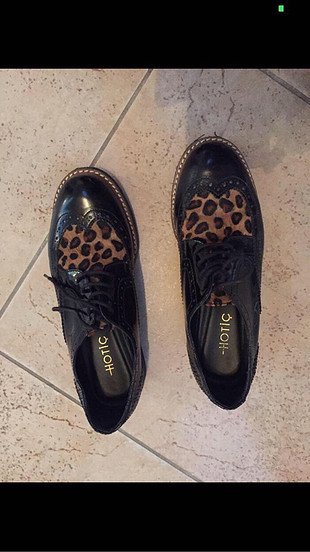 Hotiç Hotiç leopar desenli ayakkabı