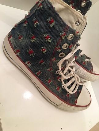 Converse model ayakkabı