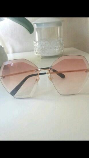 Gözlük (ten rengi)