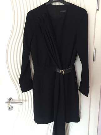 Zeynep Tosun Siyah Şık Kemer Detaylı Elbise Zeynep Tosun