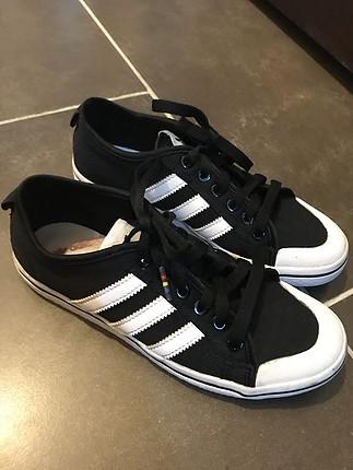 Adidas şık ayakkabı