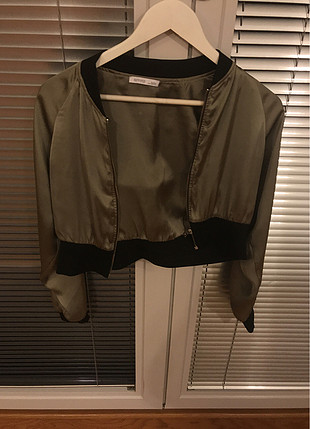 Saten tipi kısa ceket
