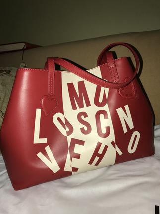 Çok Az Kullandım , Herhangi Bi Hasar Vs Yoktur. Love Moschino