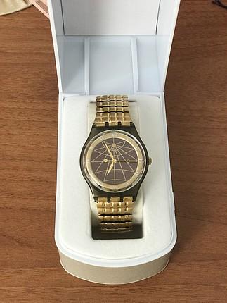 Swatch Altın rengi saat