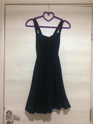 Siyah Sırt Dekolteli Elbise Mango