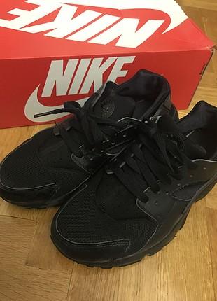 Nike (siyah)