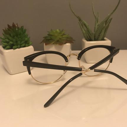 universal Beden Altın Rengi Çerçeveli Siyah Gözlük