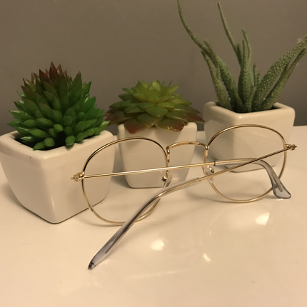 Şeffaf Çerçeveli Gözlük
