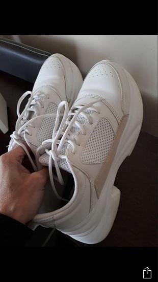 Zara Beyaz spor ayakkabı