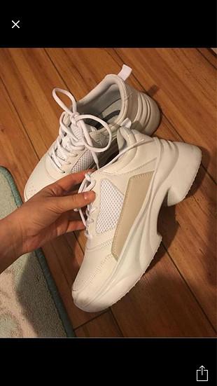 38 Beden beyaz Renk Zara Beyaz spor ayakkabı