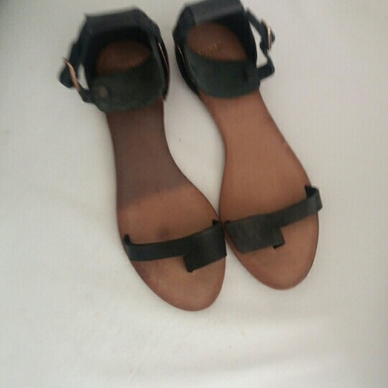 40 Numara Pull And Bear Marka Deri Sandalet Ayakkabı