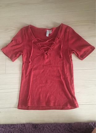 İp dekolteli tshirt