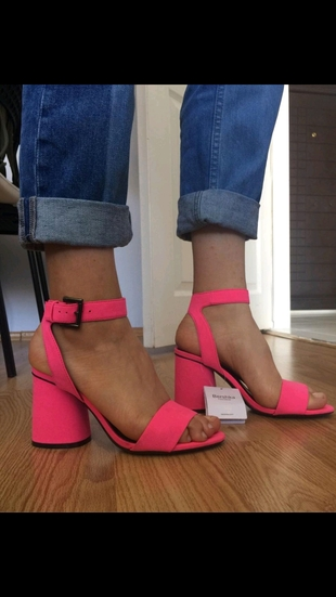 Bershka Pembe Topuklu ayakkabı
