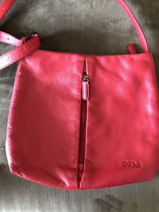 Desa marka kırmızı yumuşak deri çanta