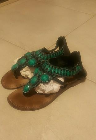 Kemal Tanca boncuklu sandalet